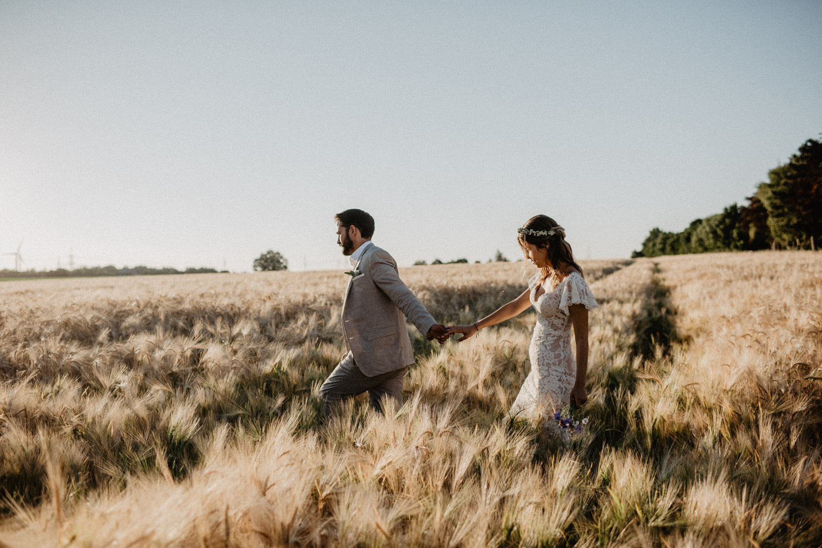 Romantic Golden Hour Wedding Shoot by Oh Lucy Photography
