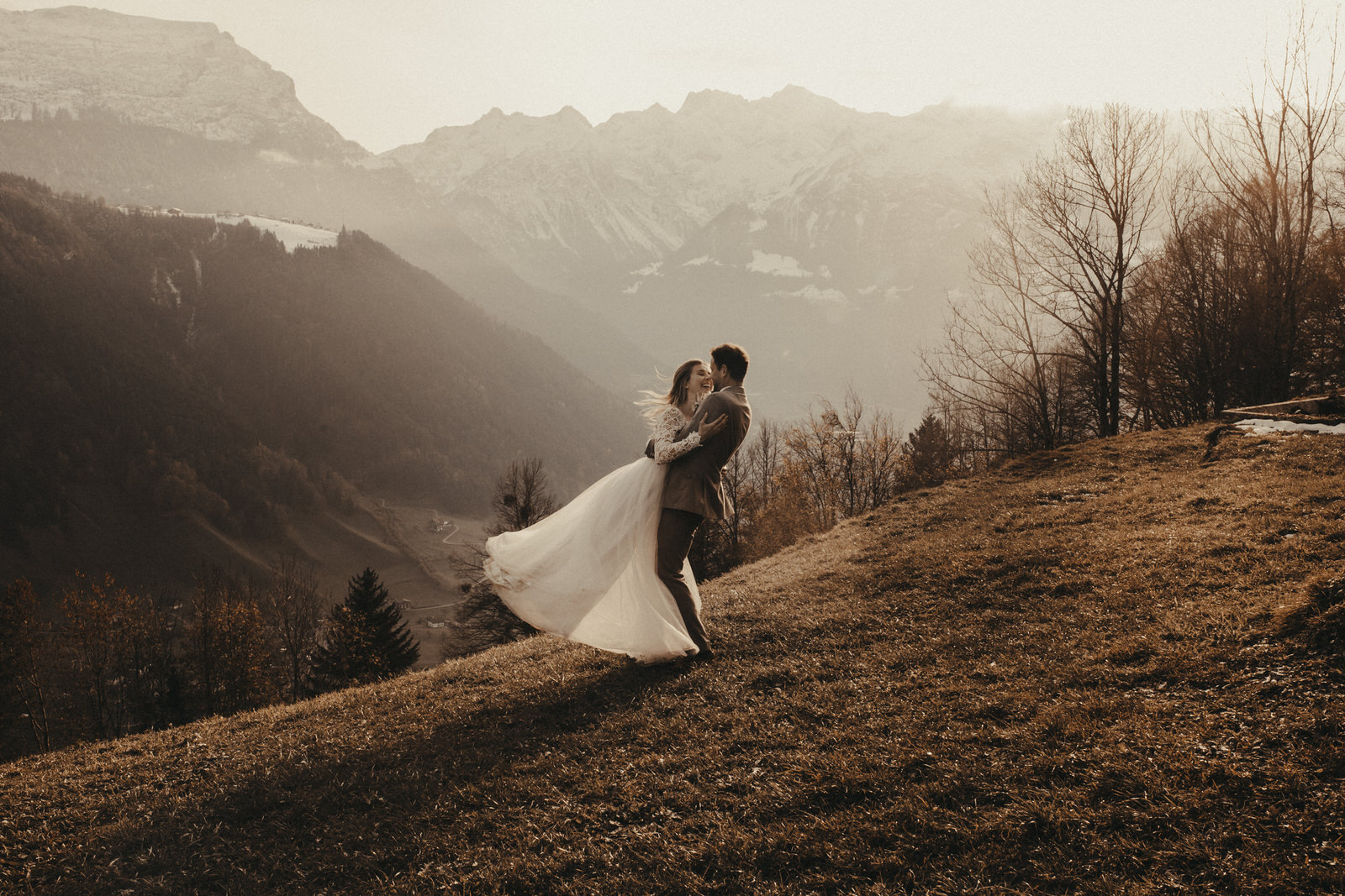 Wild mountain wedding by Simone Kasper