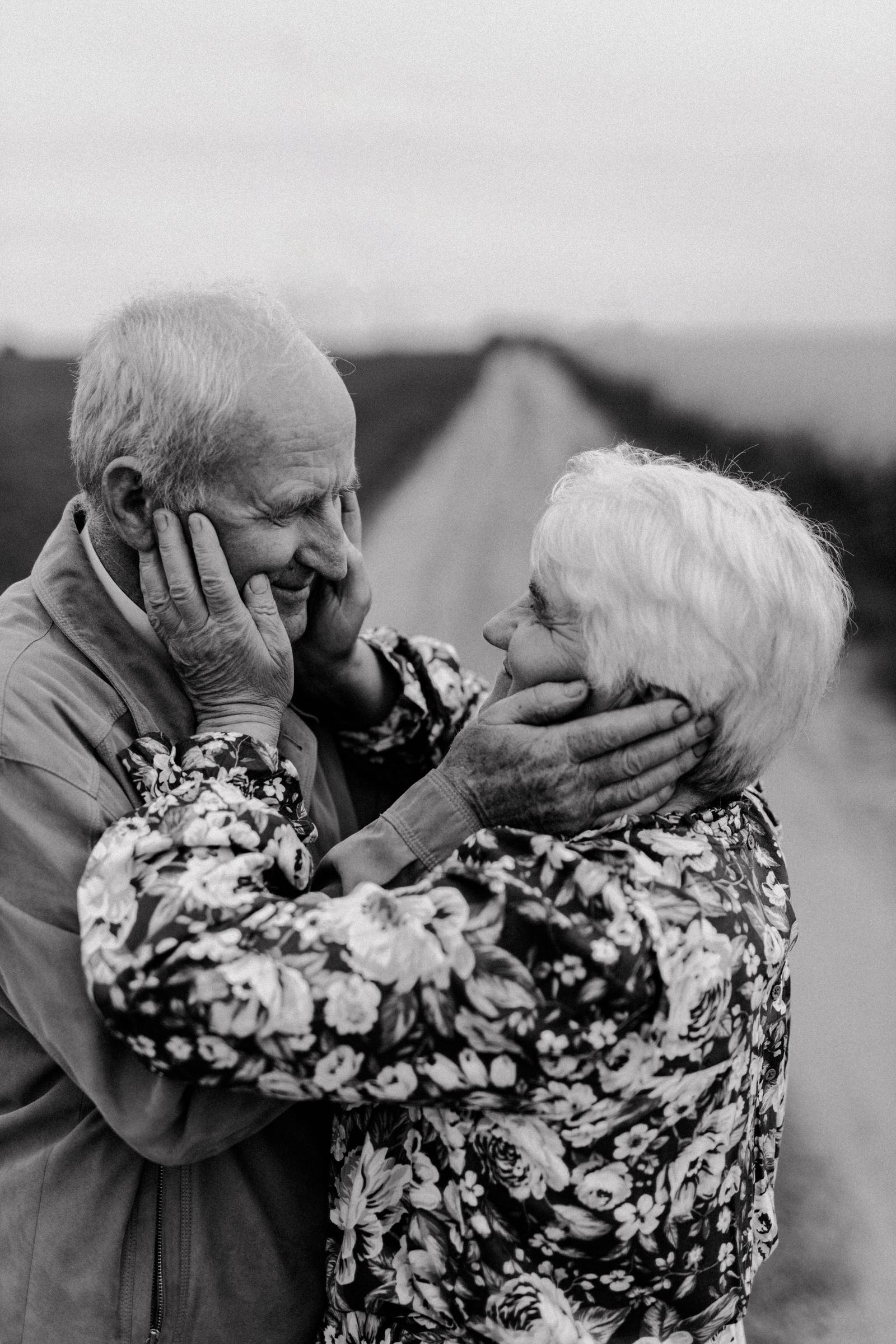Love To The End Of The World by Monika Skolimowska Fotografia